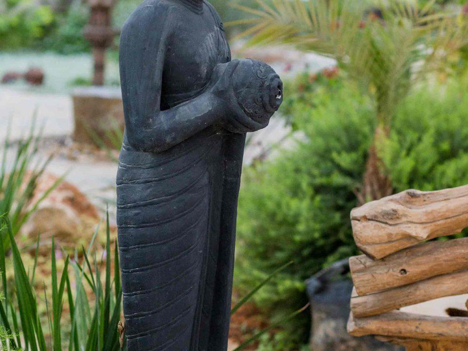 מזרקה בדמות בודהה