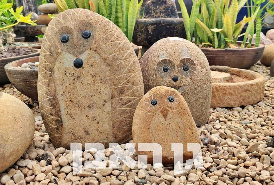 2 פסלי חיות מאבן